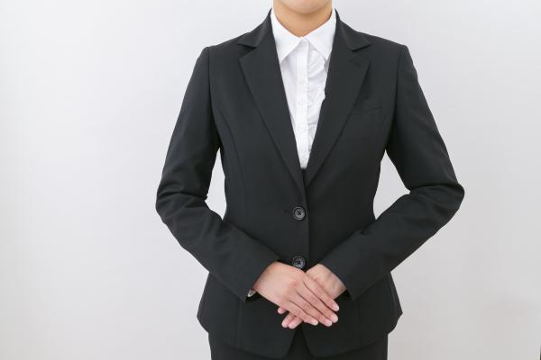スタッフ女性